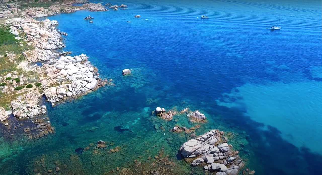 Croisière catamaran Corse Sardaigne Iles Lavezzi